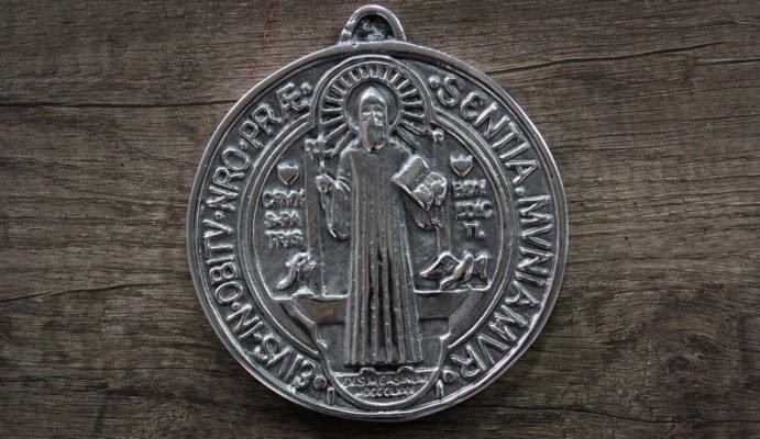 medallas de San Benito